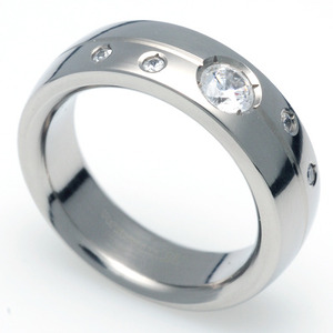 TW-003 DIA - TATIAS, Titanium Ring set with Diamonds