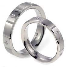 T-617 DIA CO - TATIAS, Titanium Couple Ring set with Diamonds